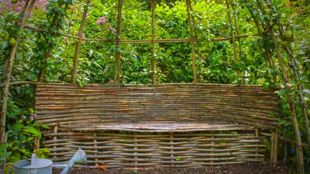 WILLOW GARDEN TRELLIS AND BENCH